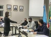 Toma posse suplente Claudete Stringhini na vaga da vereadora Ana Maria Somensi Bruschi